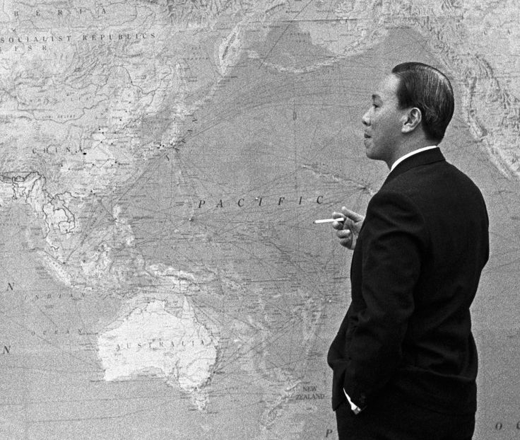 Nguyen_Van_Thieu_with_map_(cropped)